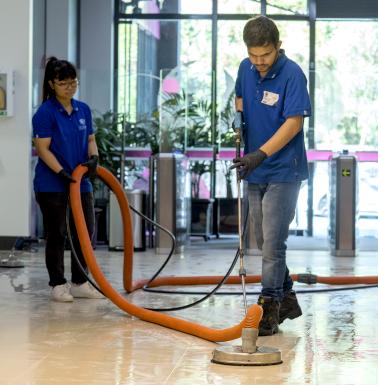 Internal foyer tiles pressure cleaning