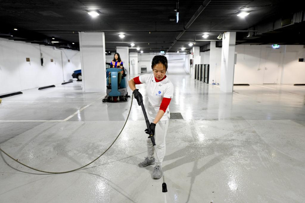 Carpark scrubbing and pressure cleaning Melbourne